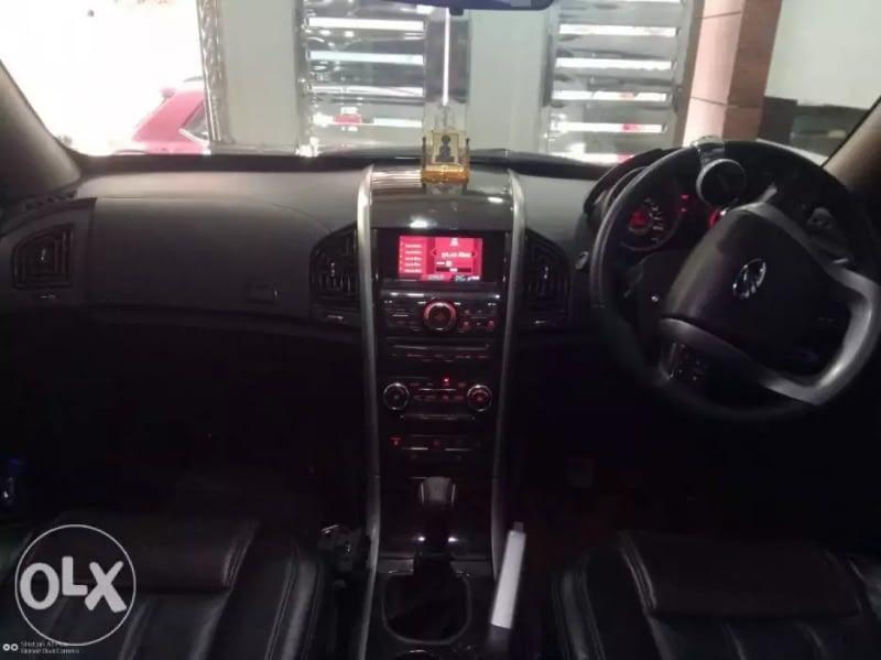 Mahindra XUV 500  W8 AWD