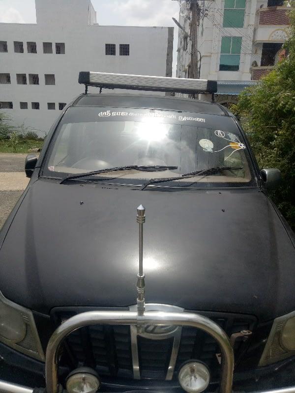 Mahindra Xylo E8