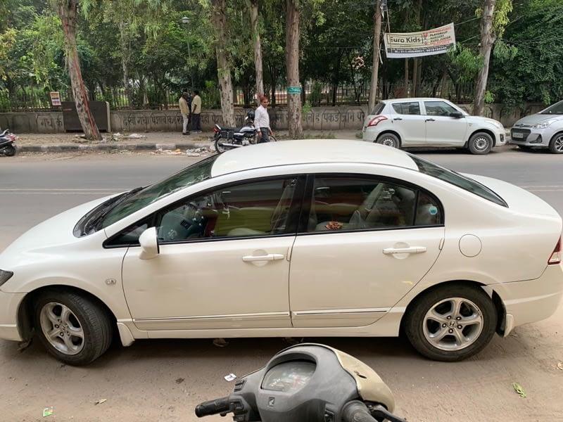 Honda Civic 1.8S MT